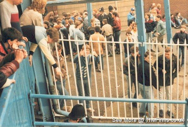 Blackpool @ Bury '85 4