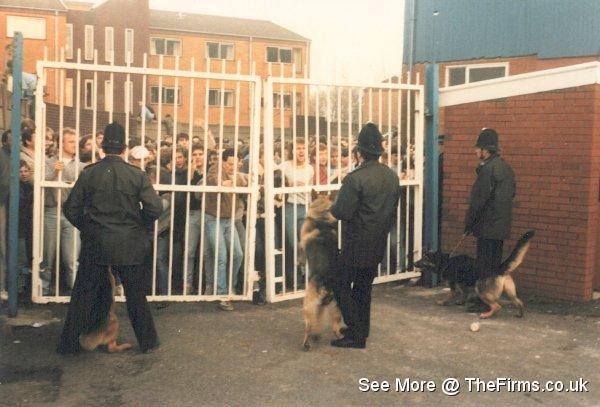 Blackpool @ Bury '85